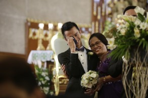 When Neil got emotional when he saw his niece walking down the aisle when he thought she could not attend the wedding. (haba ng caption!)